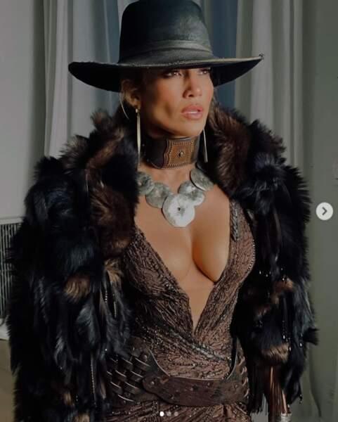 Jennifer Lopez était divine dans les coulisses du Met Gala 2021.