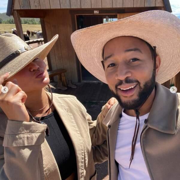 Un autre cliché plein de love : Chrissy Teigen et John Legend, cow-boys amoureux.