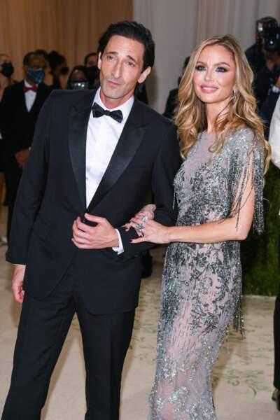 Adrian Brody et Georgina Chapman, qui fut autrefois l'épouse d'Harvey Weinstein.