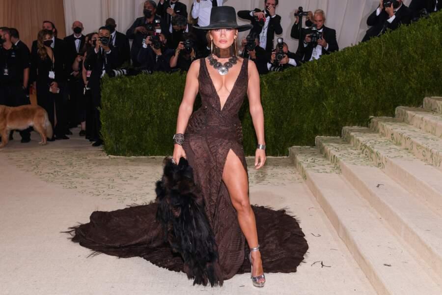 Et Jennifer Lopez. Bref, pas besoin de balayer à la fermeture de la cérémonie, ce qui est somme toute assez pratique.