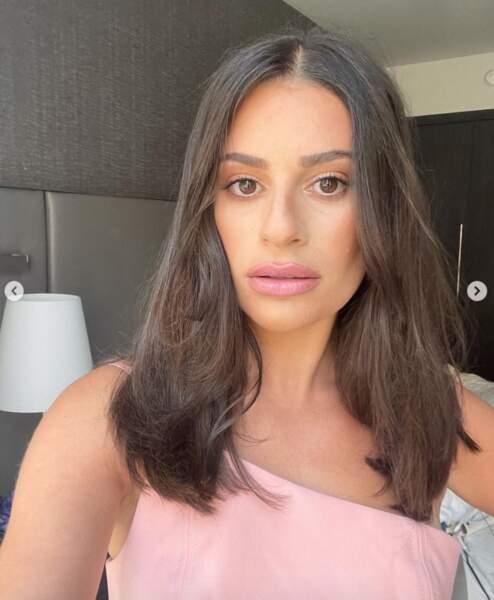 Lea Michele avait assorti son rouge à lèvres à sa robe.