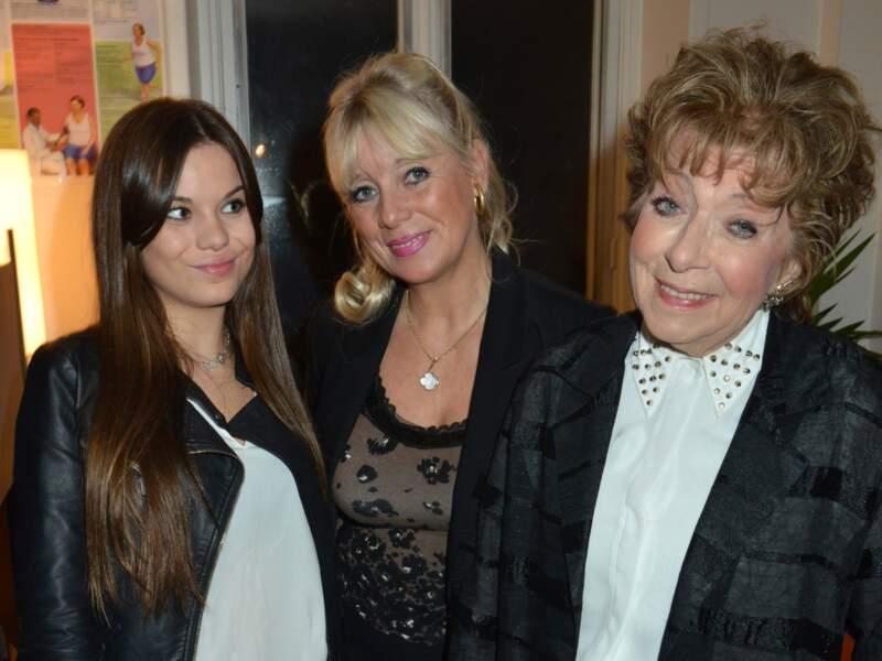 Avec sa fille Veronique Néry et sa petite-fille Laura Néry en 2012