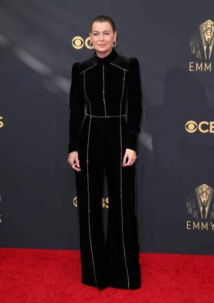 Ellen Pompeo a troqué sa blouse blanche de Grey's Anatomy contre une robe longue noire