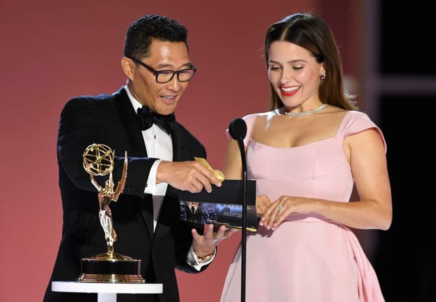 Daniel Dae Kim et Sophia Bush remettaient le prix du meilleur scénario