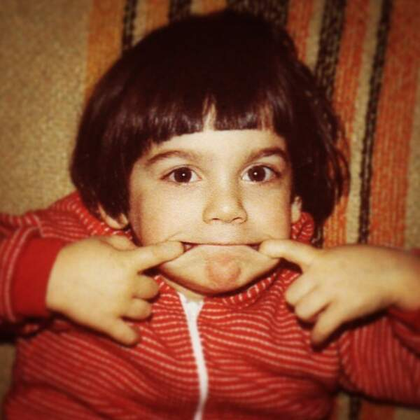 Vous le reconnaissez ? C'est le comédien Gil Alma quand il était enfant.
