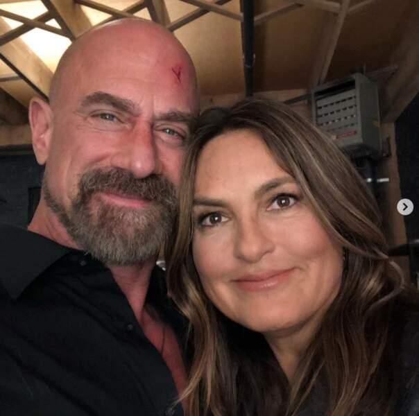 Et ils ne sont pas en couple mais on les aime d'amour : Christopher Meloni et Mariska Hargitay de New York Unité Spéciale.