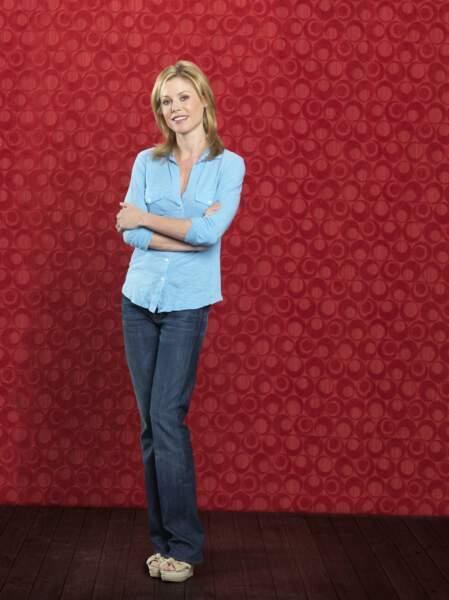 Après s'être fait connaître dans la série Ed, Julie Bowen incarne Claire Dunphy dans Modern Family
