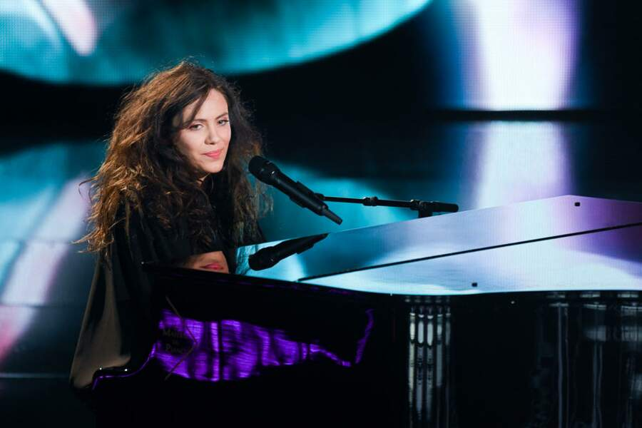 Toujours au piano dans The Voice All-Stars