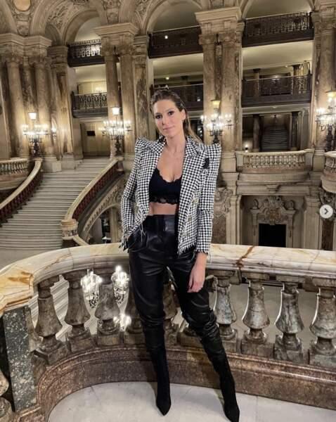 Laury Thilleman avait opté pour un look rock au défilé Etam Live Show 2021.