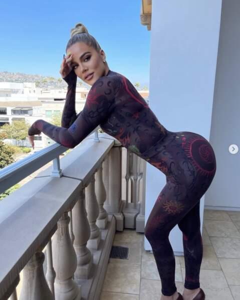 Point mode et beauté : Khloé Kardashian avait enfilé pour une tenue plus que moulante.