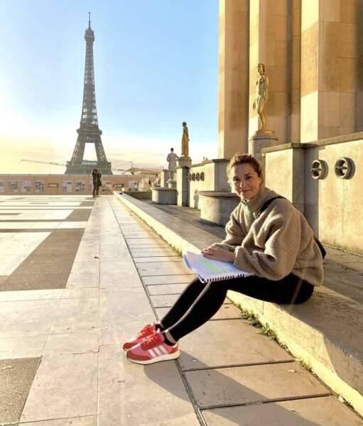 Bon, c'est pas tout ça mais on doit aller prendre un bain de soleil avec Barbara Schulz au Trocadéro.