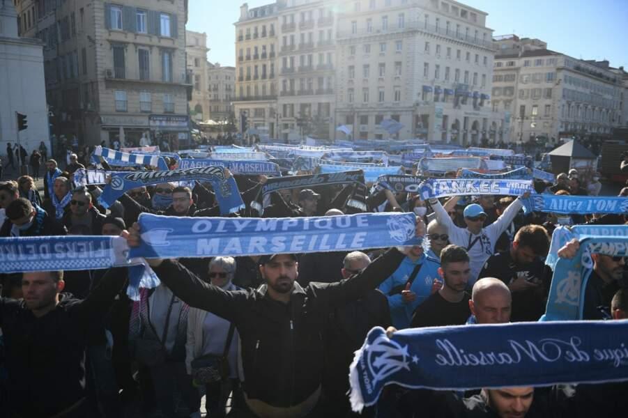 Hommage des supporteurs de l'OM à l'ancien président du club.
