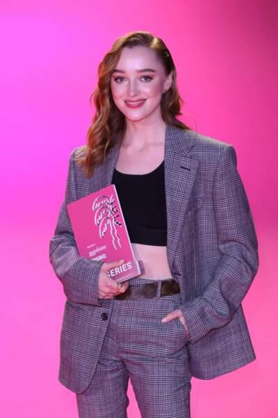Phoebe Dynevor a quant à elle raflé le Rising Star Award de Madame Figaro.