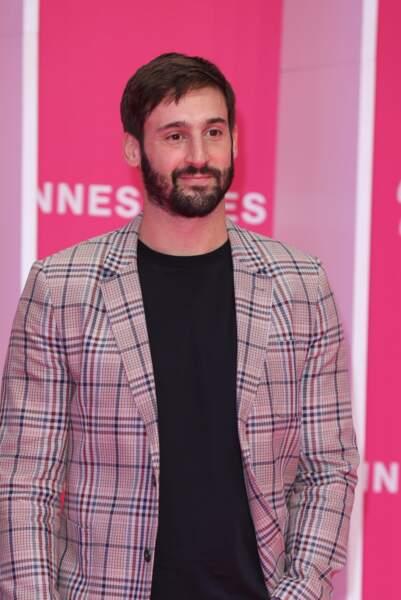 Guillaume Labbe, est également présent au casting de Parallèles.