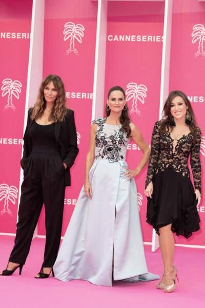 Cathy Andrieu (à gauche), au côté de ses co-stars des Mystères de l'amour, Carole Dechantre (au milieu) et Elsa Esnoult (à droite).