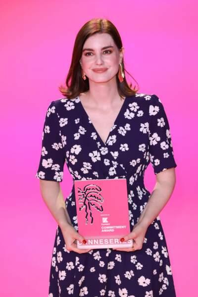 La scénariste Laurie Nunn (Sex Education) a récupéré le prix de l'engagement décerné par Konbini.