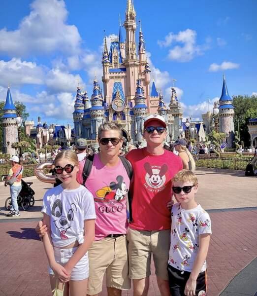 Neil Patrick Harris et sa petite famille étaient en vadrouille à Disneyland.