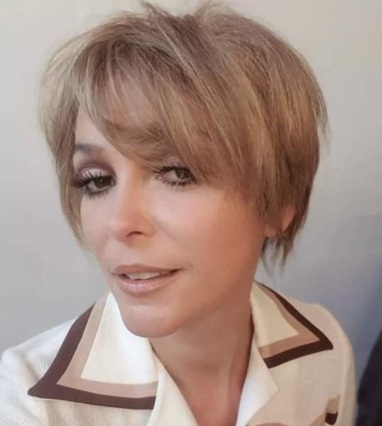 3615 coiffure : coupe courte pour Sandrine Quétier.