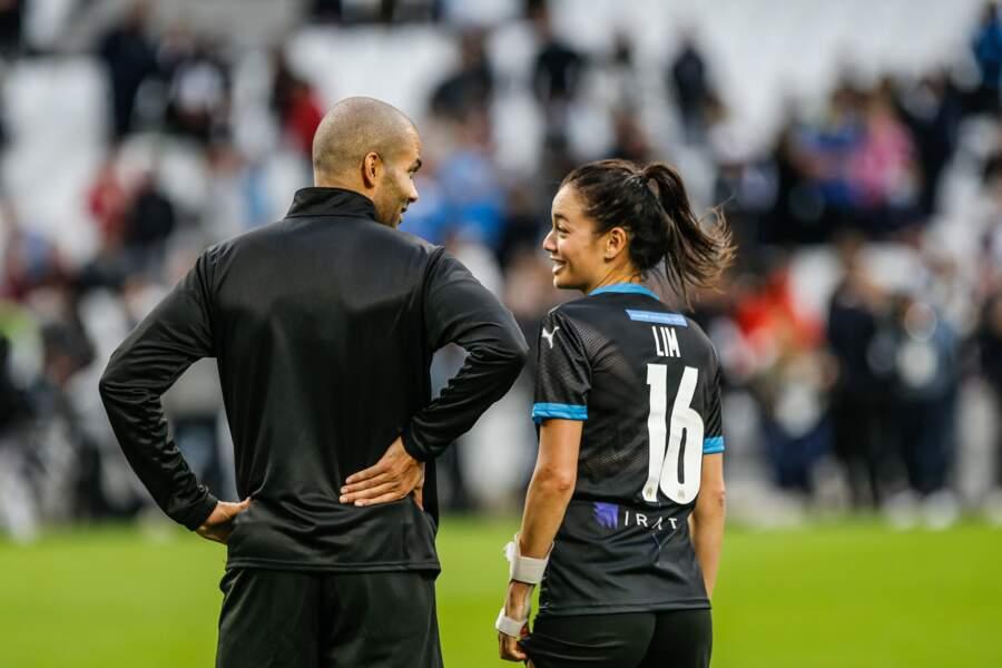 ... Aux côtés de sa femme Alizée Lim.